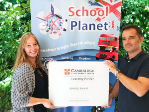 entrega-placa-cambridge-schooplanet-web